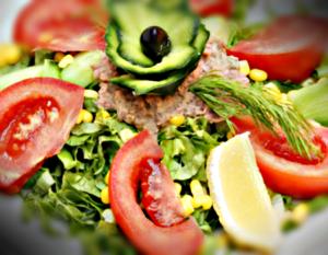 Зелена салата с риба тон – 400 G