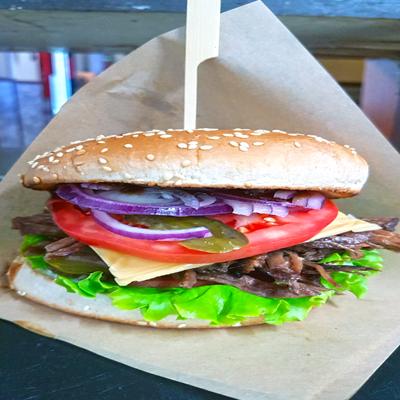 Хамбургер с телешко дърпано месо Black Angus